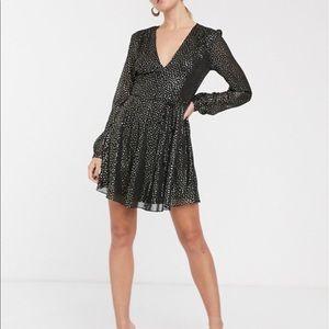 NWT Glamorous Long Sleeve Wrap dress